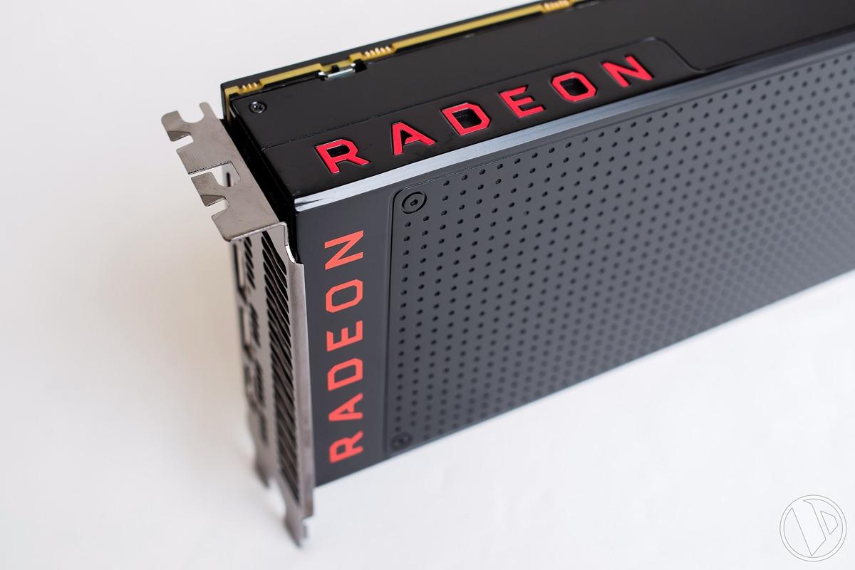 Vega 10 của AMD xuất hiện với 3 model gồm RX Vega 56, RX Vega 64 và RX Vega  64 bản tản nhiệt nước. Cả 3 model đều trang bị bộ nhớ ...