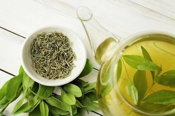 Người Nhật dùng trà xanh để làm sáng da