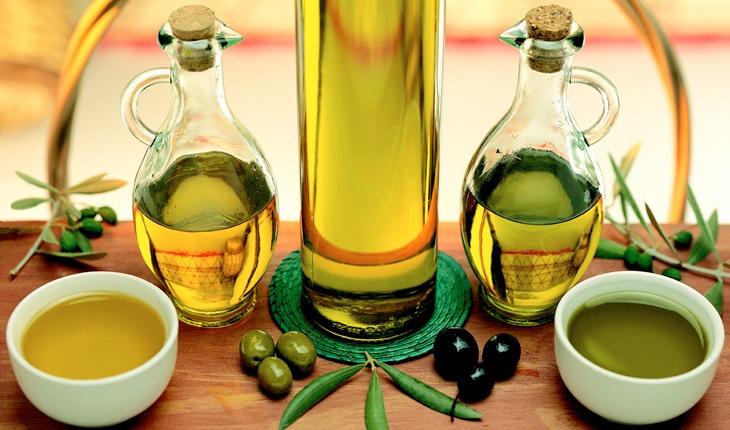Sử dụng tinh dầu thiên nhiên trong việc điều trị mụn