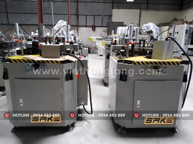 202077a1afc0 3f90 4e83 b3c8 c5778d6632e4 Mua máy ghép góc nhôm nhập khẩu giá tốt tại Hà Nội